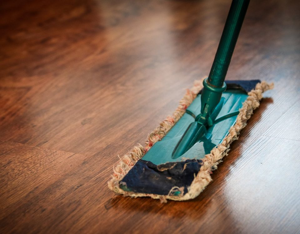 commercial cleaning professional office cleaners eco friendly Aldershot Guildford Basingstoke Reading eco clean services 2
